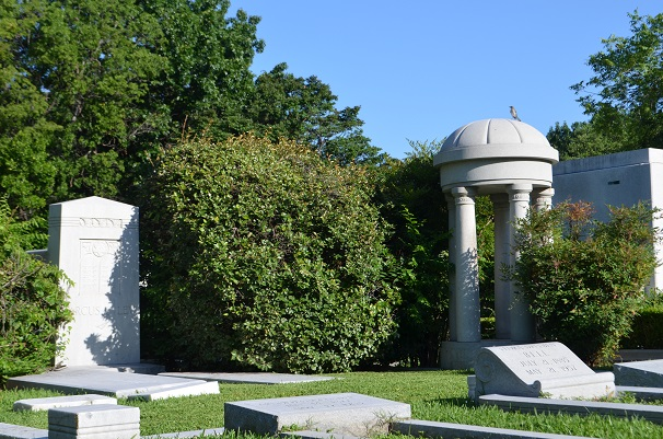 Temple Emanu-El Cemetery and Mausoleum